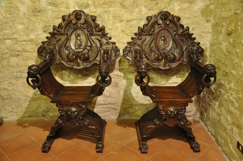 Savonarola chairs