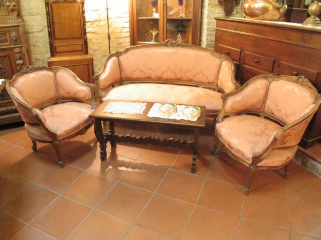 Poltrone e divano antico negozio antiquariato a san for Altezza divano
